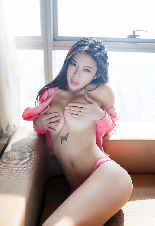 verführerische Asiatinnen mit geilen Titten